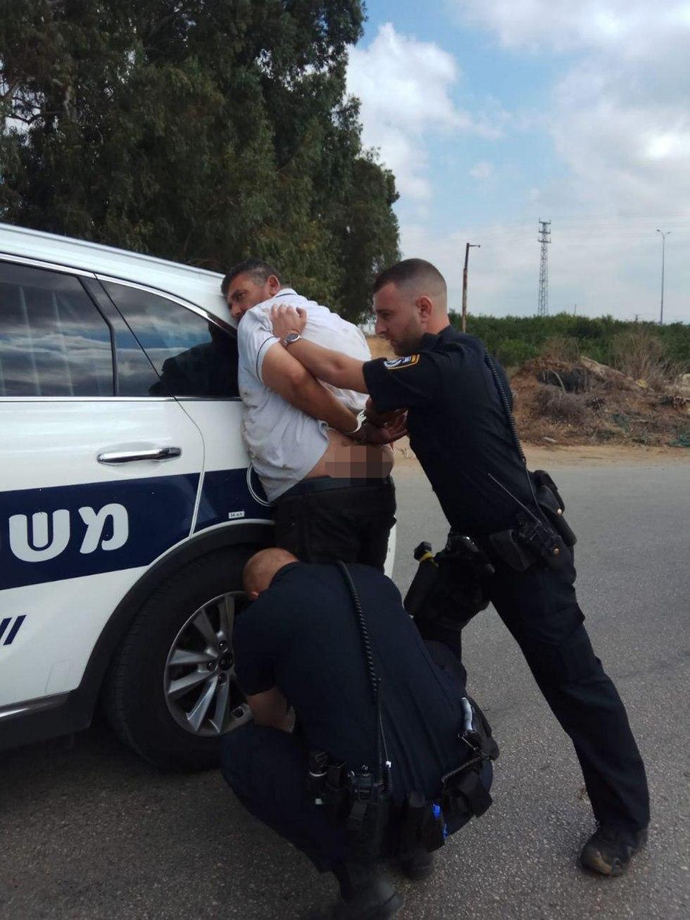 מעצר יצחק שפק ()