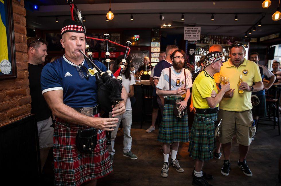אוהדי נבחרת סקוטלנד (צילום: עוז מועלם)
