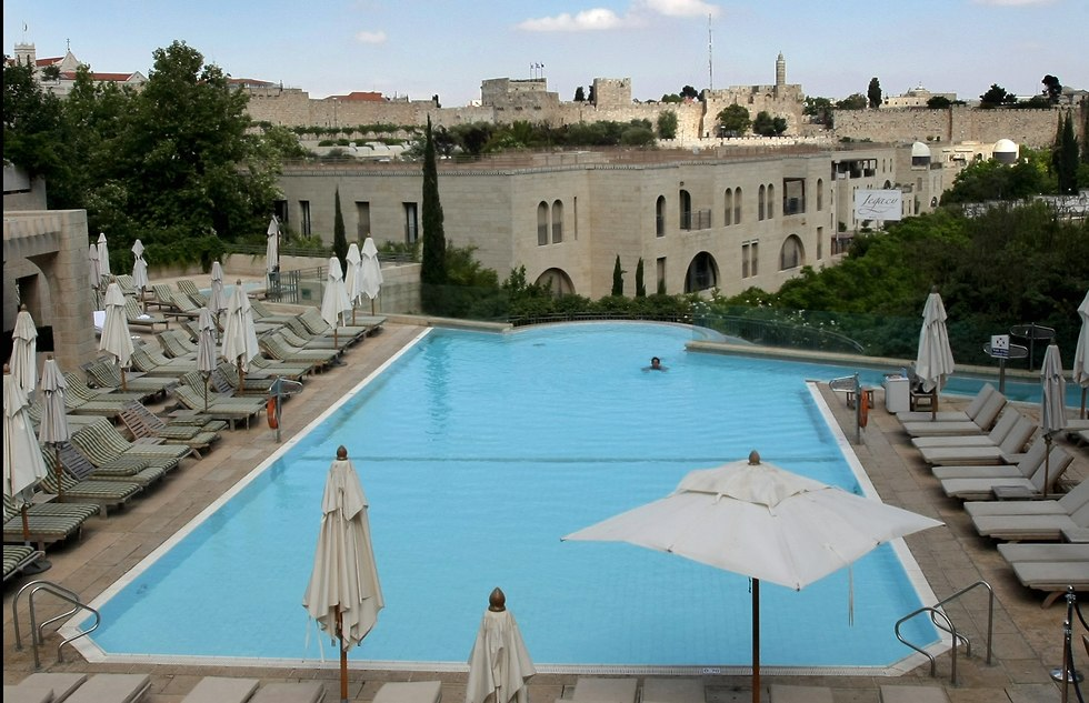 מלון מצודת דוד (צילום: אלכס קולומויסקי)