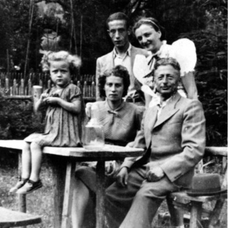 Sala her parents in the summer of 1939
