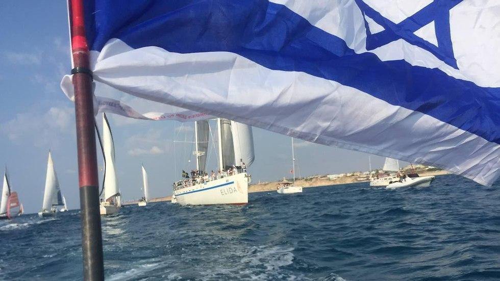 משט השלום משבדיה מגיע לישראל (צילום: מוטי קמחי)