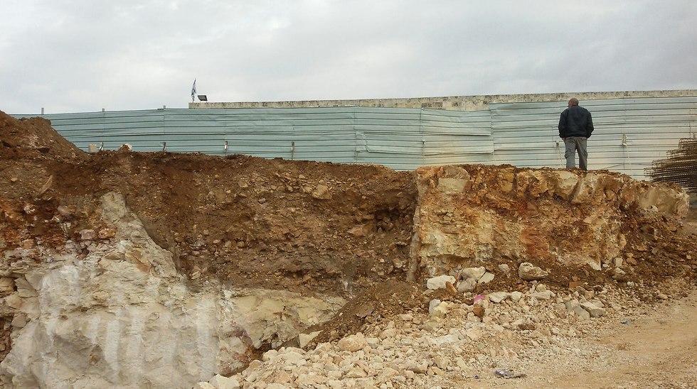 אזור החפירות במגרש הרוסים (צילום: כפיר ארביב, רשות העתיקות)