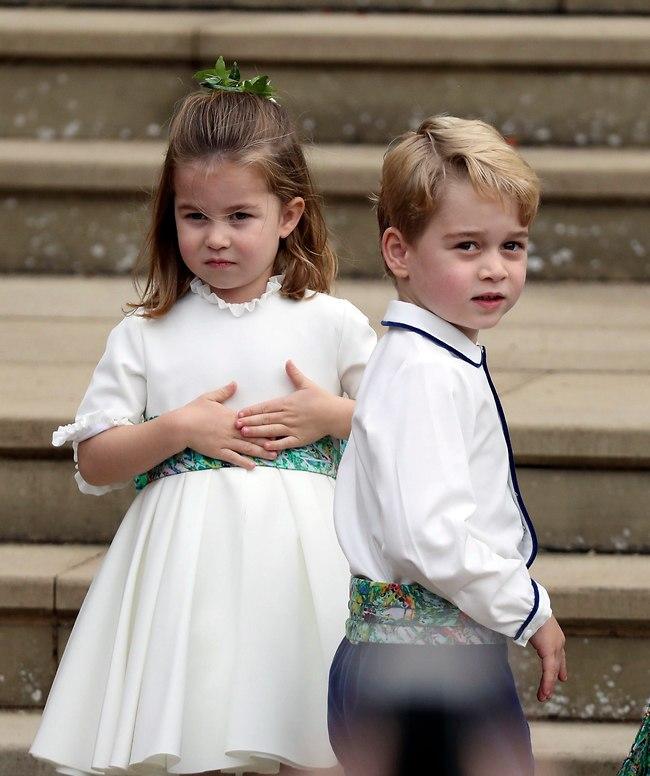 גונבים את ההצגה בכל מקום: הנסיך ג'ורג' והנסיכה שרלוט (צילום: Ap)