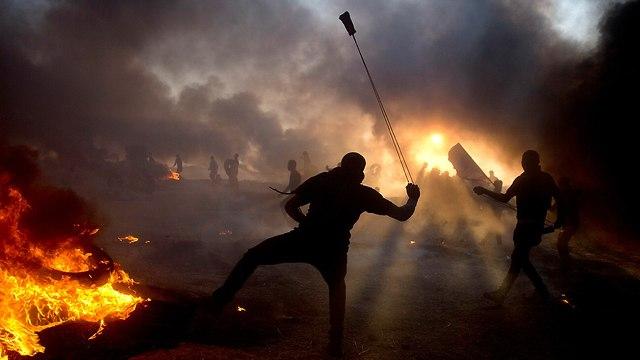 התפרעויות פלסטינים רצועת עזה (צילום: AP)