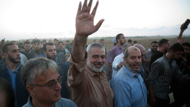 Haniyeh on the Gaza border (Photo: AP)