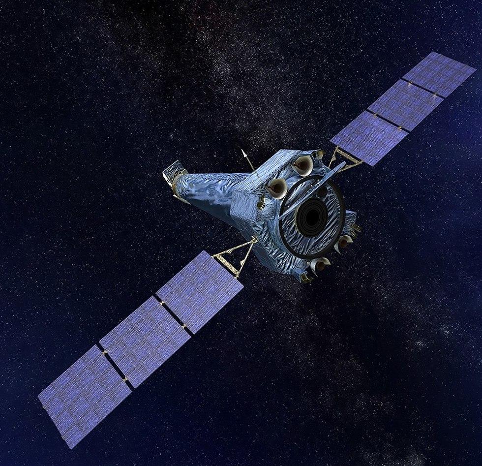 טלסקופ החלל צ'נדרה (צילום: נאס