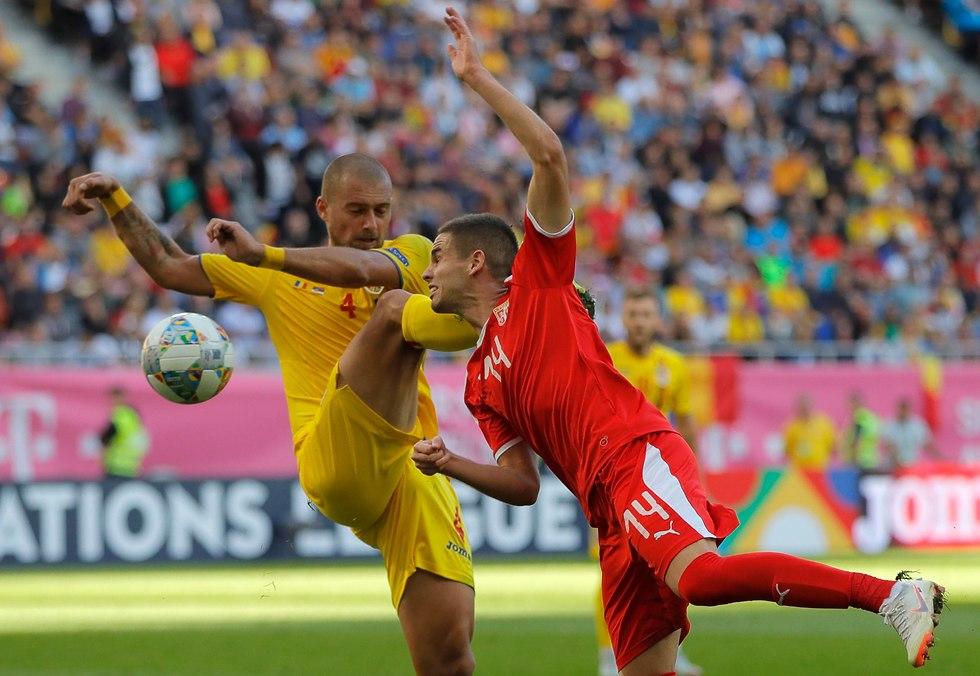 גבריאל תאמאש מבצע את העבירה שעלתה לו באדום (צילום: AP)