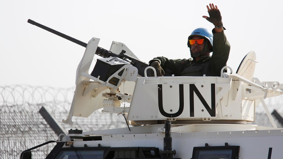 UN forces return to Syria through the Quneitra crossing (Photo: AP)