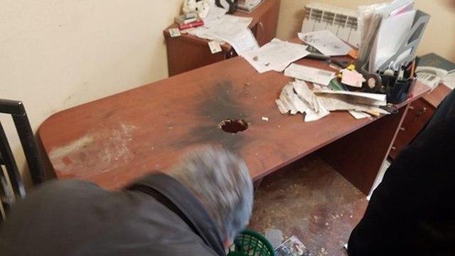 Skublinikur's desk, following the explosion (Photo: Business Gazeta)