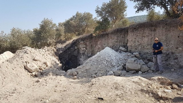 The robbery debriis at Horvat Devora. (Photo: IAA Unit for the Prevention of Antiquities Robbery)