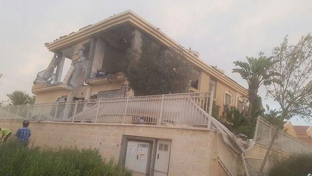 Поврежденный дом в Беэр-Шеве