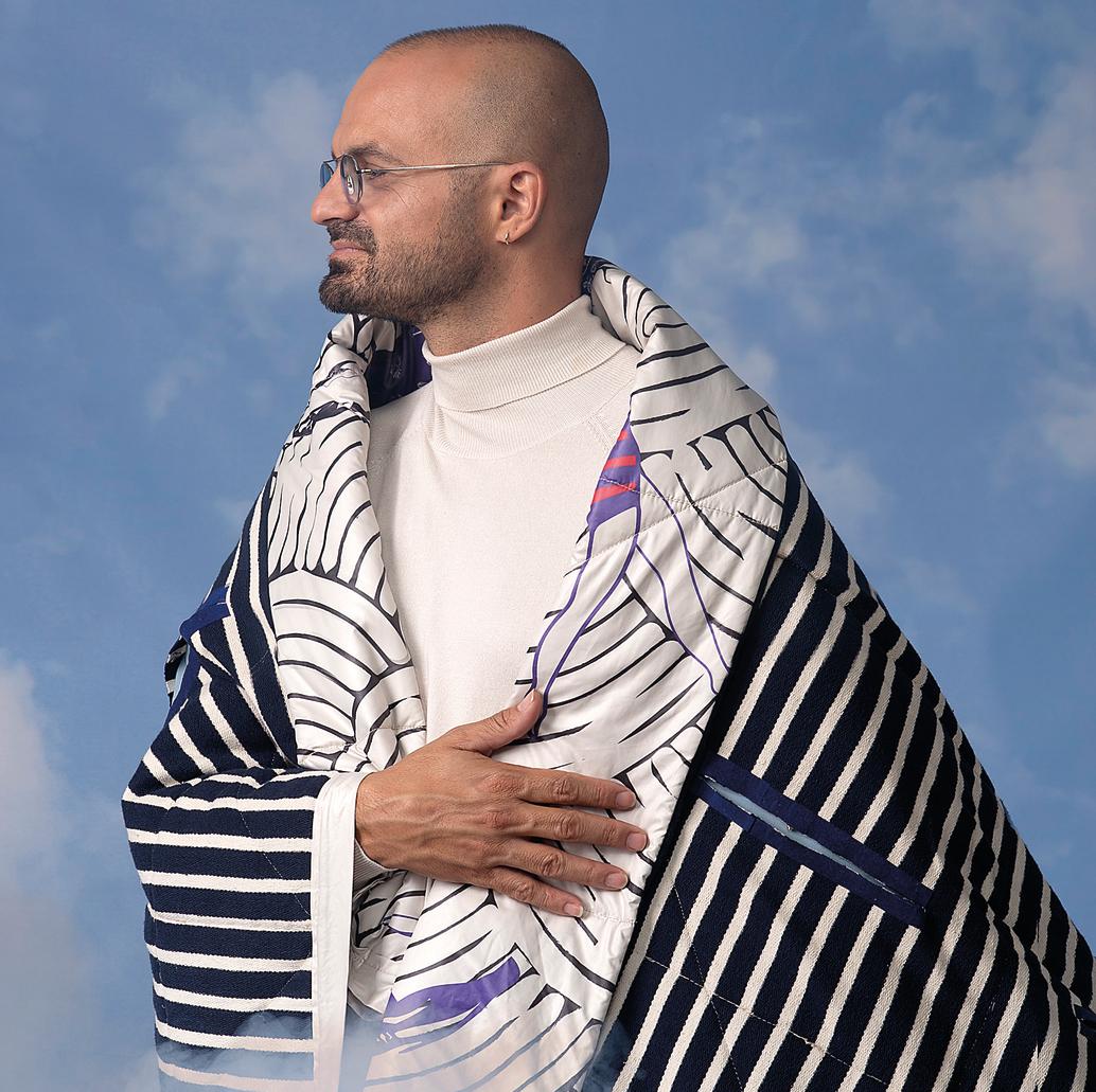 אברהם טל   שמיכה מודפסת בעיצוב ירדן אדמיאן ונועם פרקל