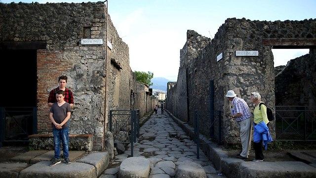 פומפיי ארכיאולוגיה איטליה כתובת גרפיטי חדשה (צילום:  רויטרס)