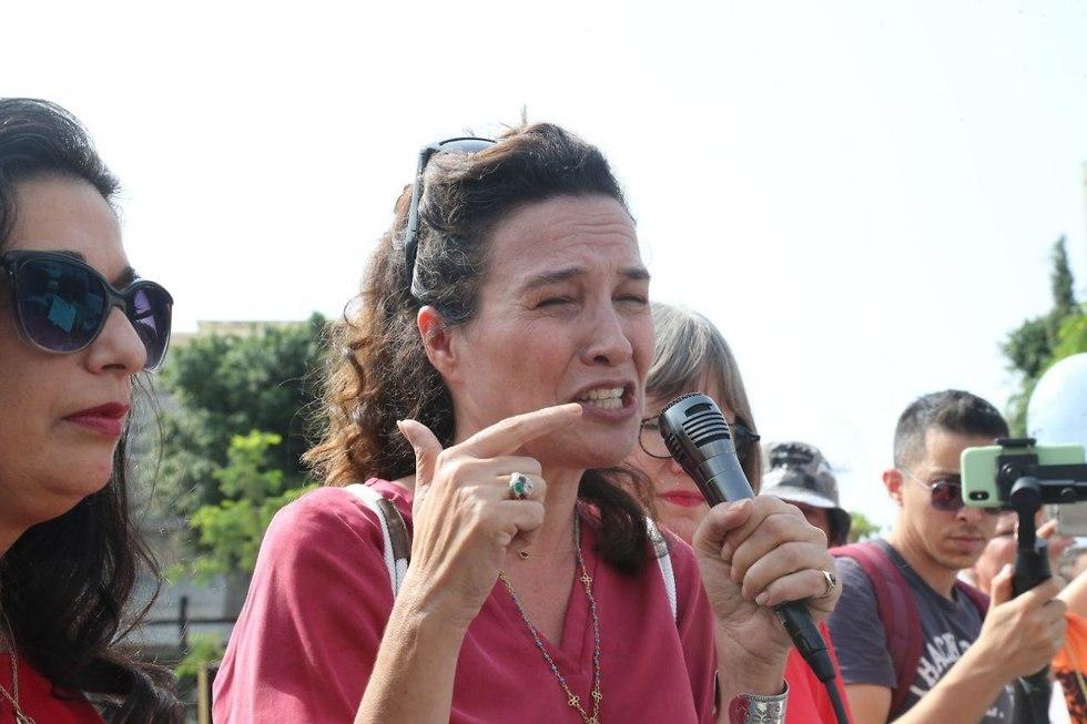 הפגנה נגד אלימות נגד נשים בתל אביב יעל אבקסיס (צילום: מוטי קמחי)