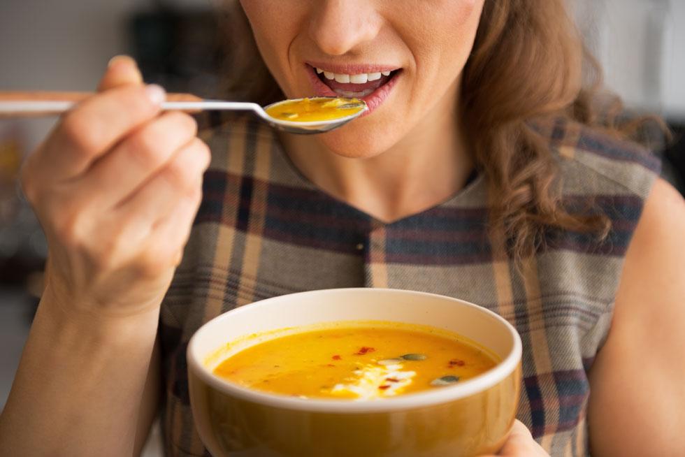 כולם אוהבים מרק מוקרם - לא כולם אוהבים את הקלוריות (צילום: Shutterstock)