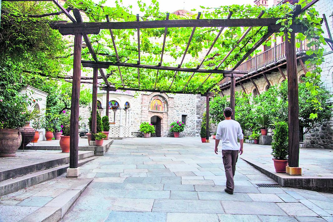 מבואת הכניסה הציורית למנזר הקדוש גריגוריוס