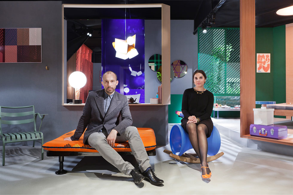 ניפה דושי וג'ונתן לוין. '''תכננו לנו כיסא איקוני' - זו אחת הבקשות הנפוצות שאנחנו מקבלים'' (צילום: באדיבות טולמנ'ס)