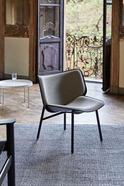 כיסא שיוצר למעונות סטודנטים, עבר לייצור תעשייתי והוצג במילאנו השנה (צילום: Doshi Levien)