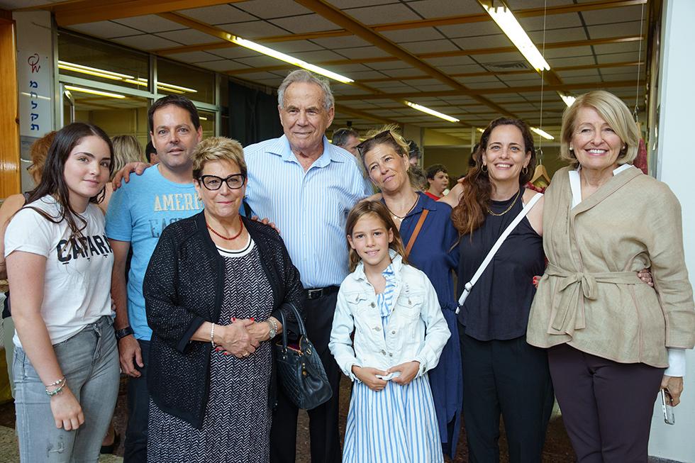 משפחת ורטהיימר ולין הולסטין (צילום: יח