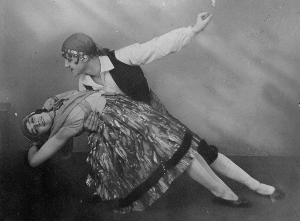 """ניקובה עם אנסטאס פטרוב, ברלין, 1925. """"בערוב ימיה היא הייתה בודדה"""" (צילום: ר' קוזלובסקי , באדיבות ארכיון המחול, בית אריאלה)"""