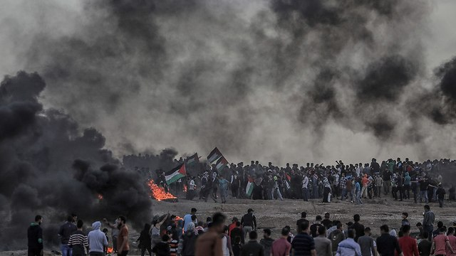 Gaza border riots (Photo: EPA)