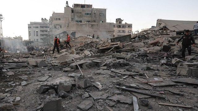 הרס בניין המטה הכללי החדש של החמאס על ידי צהל (צילום: AFP)