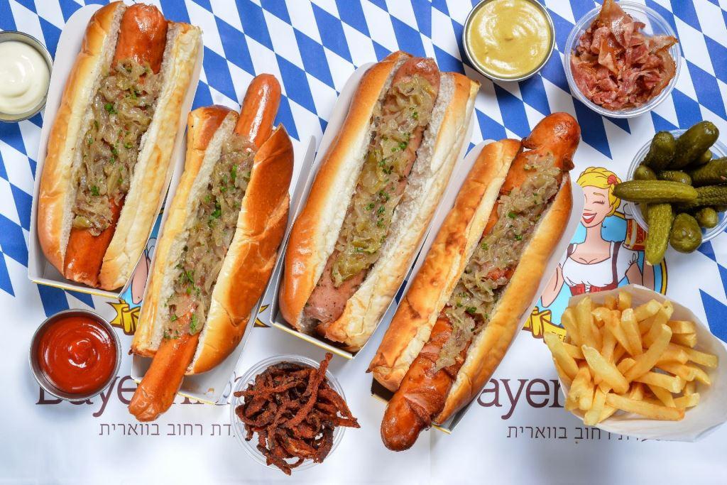 Bayern Market's hotdogs (Photo: Shai Ben Efraim)