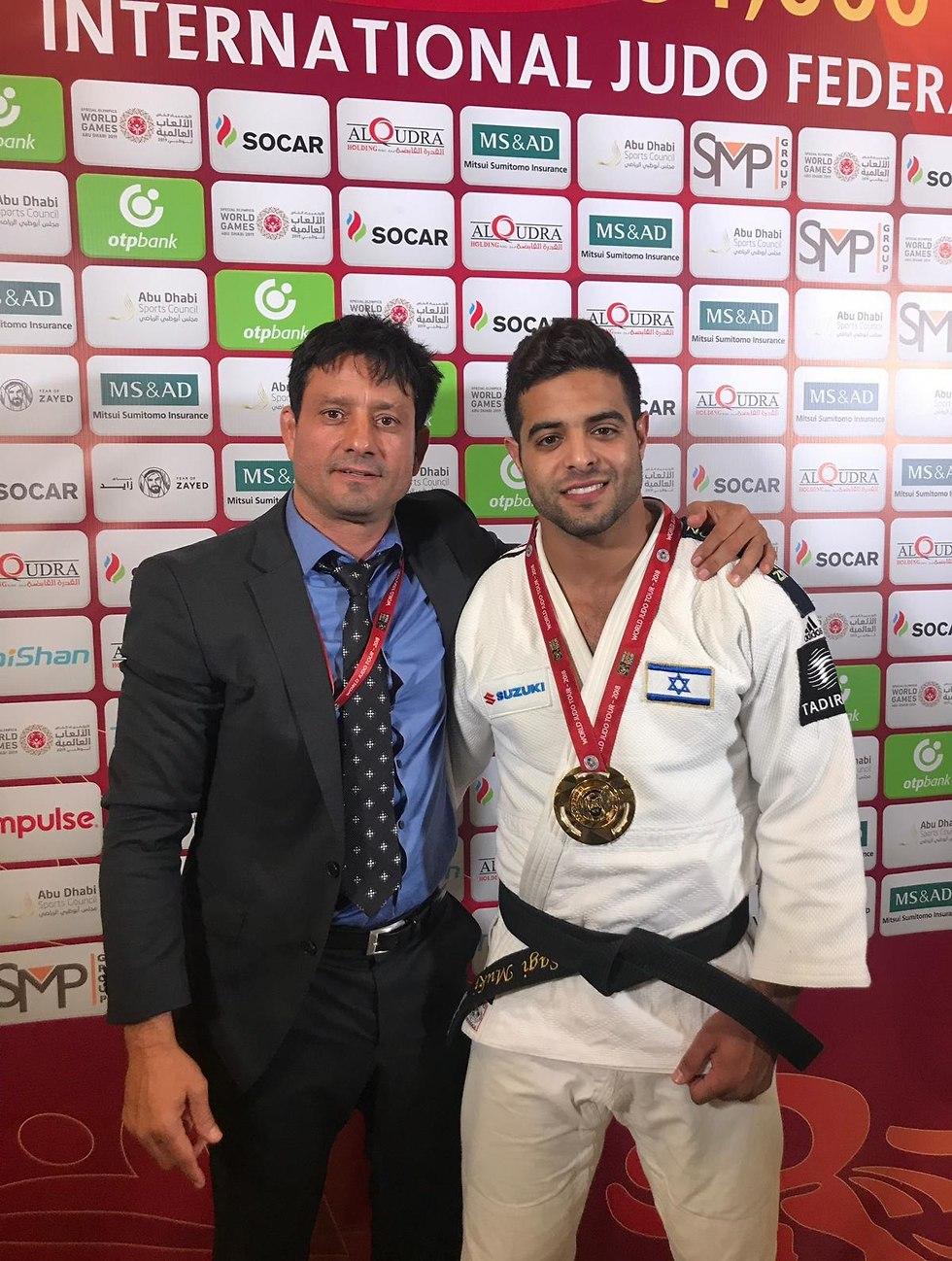 Саги и его тренер. Фото: федерация дзюдо