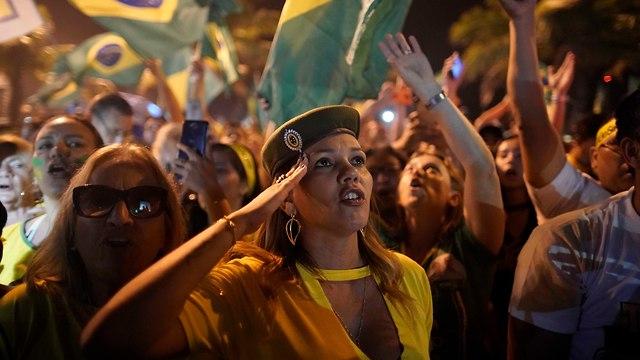חגיגות ניצחון בברזיל  (צילום: AP)