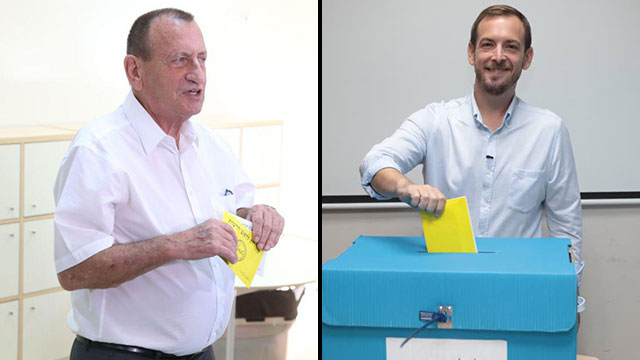 Incumbent Tel Aviv Ron Huldai and Deputy Mayor Asaf Zamir, who is running against his boss, vote (Photos: Motti Kimchi, Tal Shahar)