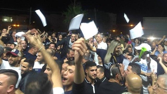 מטה ז'קי לוי  חגיגות ניצחון (צילום: רועי רובינשטיין)