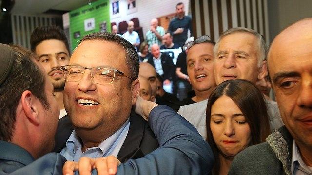 משה ליאון חגיגות סיבוב ראשון בחירות רשויות מקומיות ירושלים (צילום: עמית שאבי)