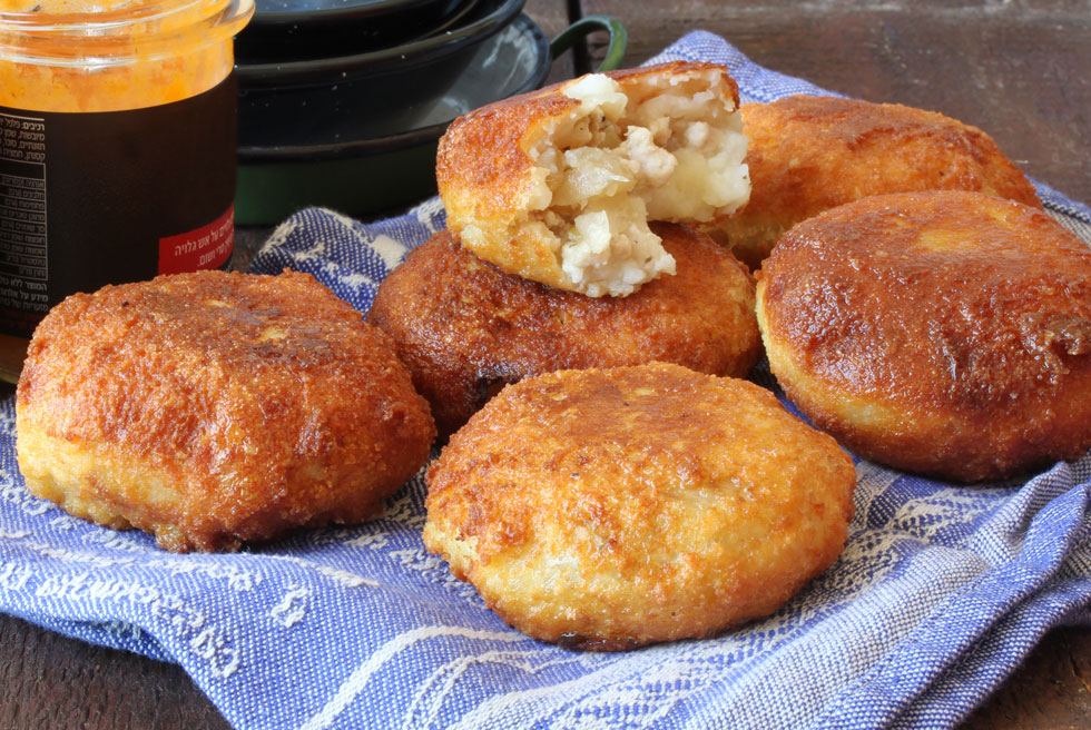 קובה תפוחי אדמה במילוי חזה עוף (צילום, סגנון והכנה: אסנת לסטר)