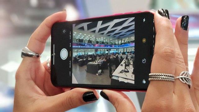 אייפון XR (צילום: אסף קוזין)
