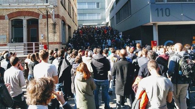 צעדת המחאה של עובדי גוגל (צילום: רויטרס)