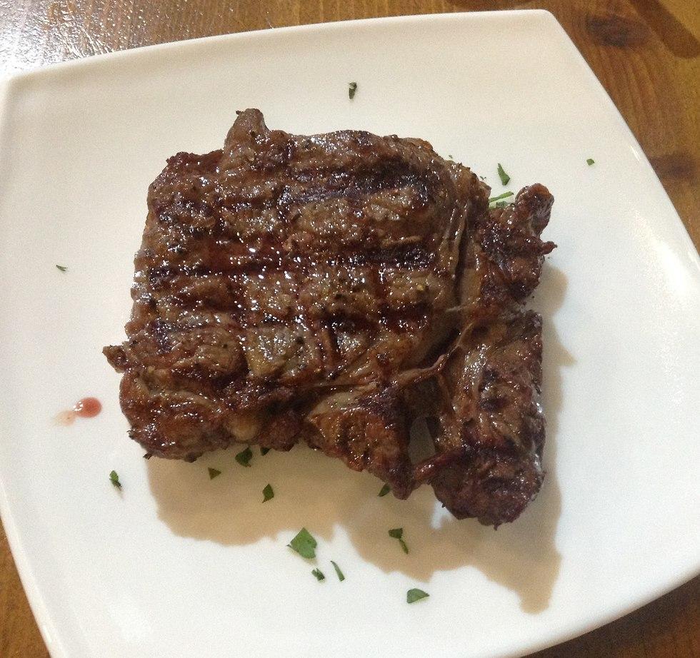 Steak dish (Photo: Buzzy Gordon)