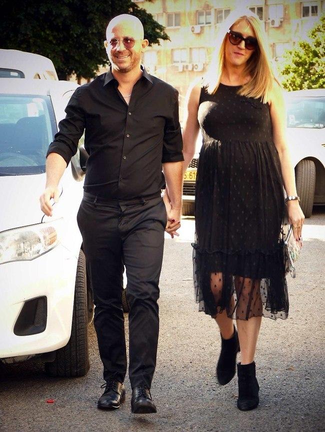 דופקים כניסה. ערן זרחוביץ' ואשתו לירון (צילום: אמיר מאירי)