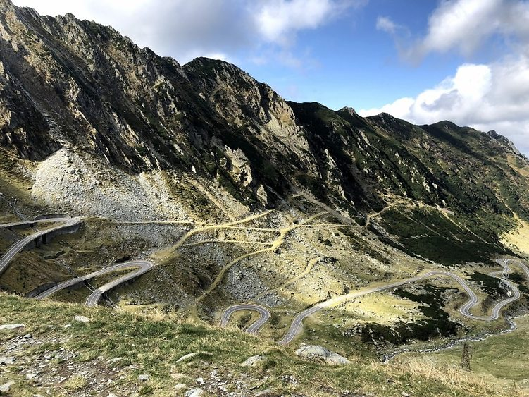 הדרך היפה בכביש טראנספגרשן (צילום: אמיר סולומון)