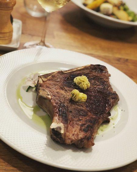 נתח סטייק עסיסי וטעים אך לא יקר, מסעדת Juels (צילום: אמיר סולומון)