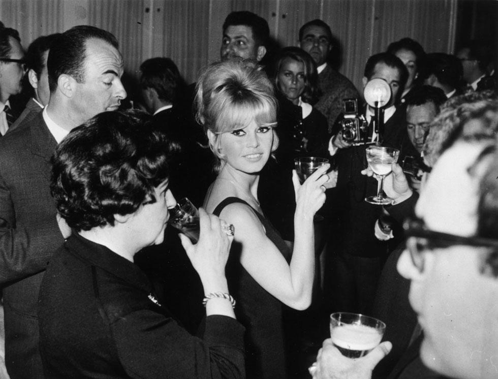 קריירה עשירה בבגדים, סצנות חושפניות ומעמד כסמל החיים הטובים בסן טרופה. 1963 (צילום: GettyimagesIL)