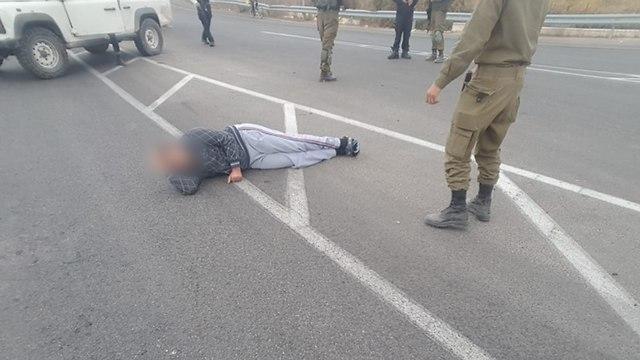 """После теракта в Кирьят-Арбе. Фото: организация """"Хаверим ле-шаат-цара"""""""