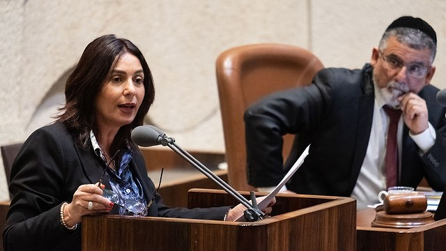 שרת התרבות והספורט מירי רגב בדיון על חוק הנאמנות במליאת הכנסת (צילום: יואב דודקביץ')