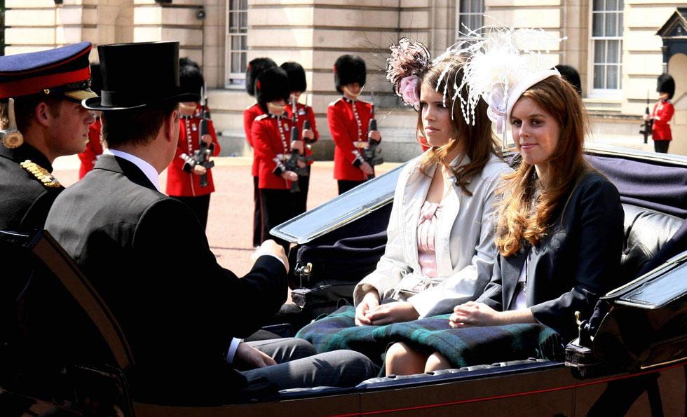 בגיל 17 (משמאל). לא נתמכת מהכספים המוקצים למענק לבני המלוכה  (צילום: AP)