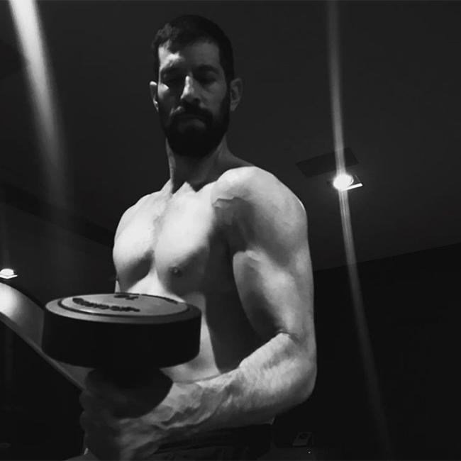 רואים שאתה עובד על השרירים. חיים אתגר (מתוך אינסטגרם)