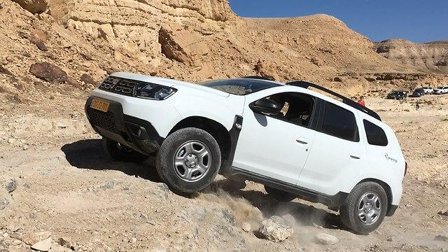 דאצ'יה דאסטר 4WD (צילום: אריאל בן זקן)