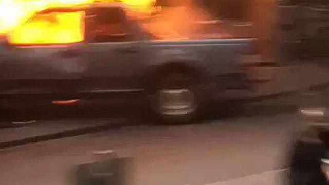 Инцидент в Мельбурне. Подожженная машина