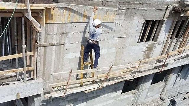 בטיחות פועל בניין בנייה  (צילום: באדיבות הפורום למניעת תאונות עבודה)