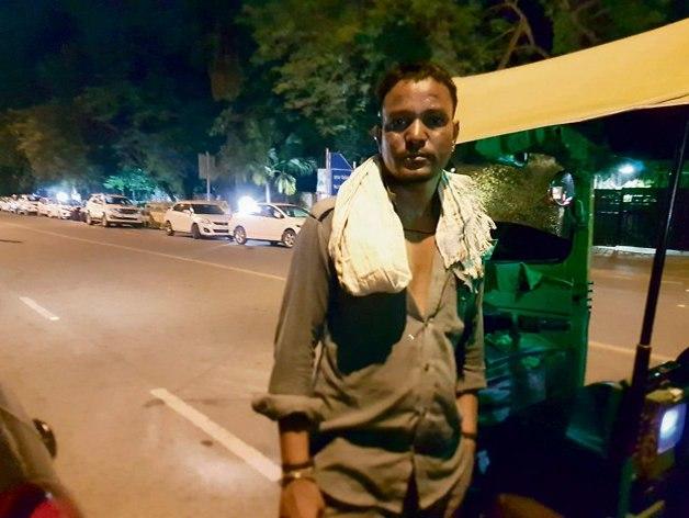 Nikki the tuk-tuk driver (Photo: Lior Ben-Ami)