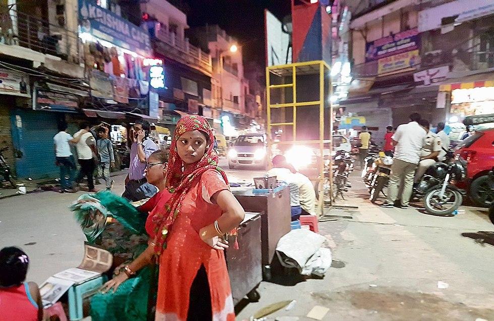 The Main Bazaar in Delhi (Photo: Lior Ben-Ami)