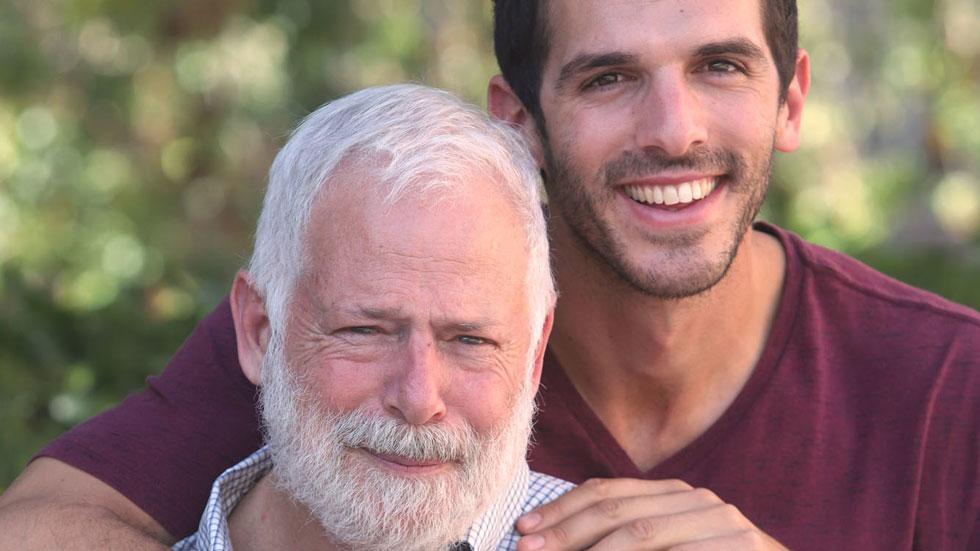 אב ובנו מי-ם הגשימו חלום, והקיפו ביאכטה את האוקיינוס השקט